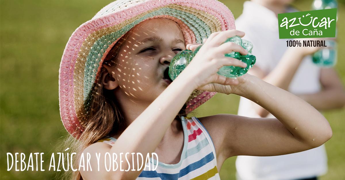 La OMS recomienda reducir el consumo de bebidas azucaradas.